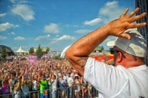 DJ DeDe, Holi Lausitz